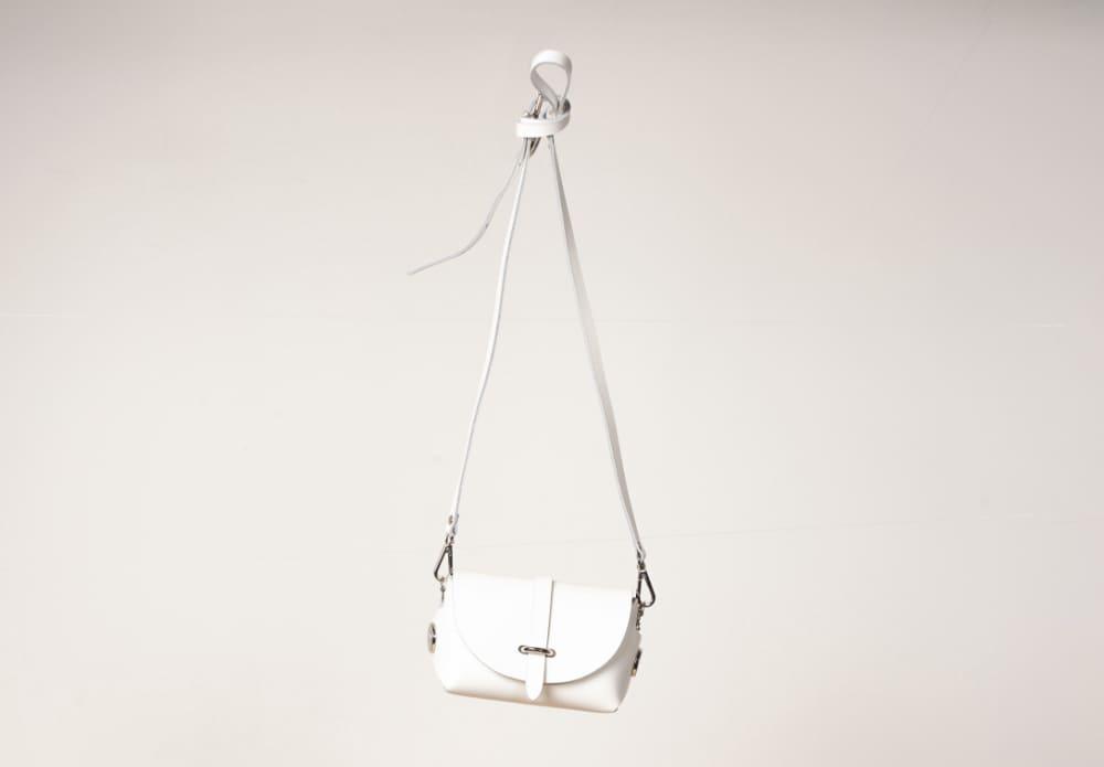 VICE VERSAの小ぶりなバッグを輸入して販売