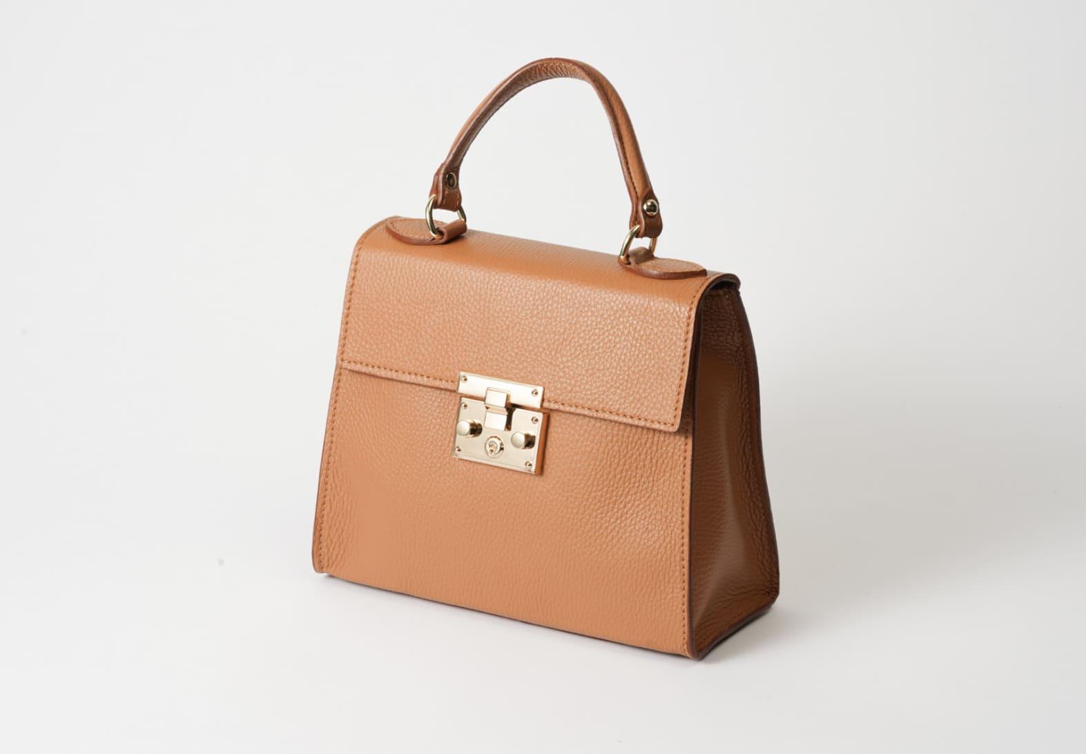 AULENTTI オーレンティのバッグを販売するセムインターナショナル。通販でも購入可能