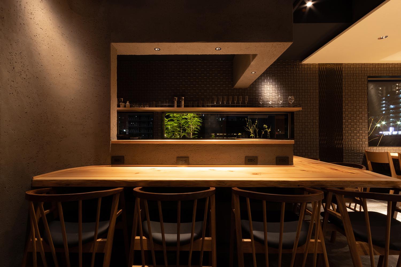 垂直水平をギア雲台で合わせて撮影|福岡の建築カメラマン