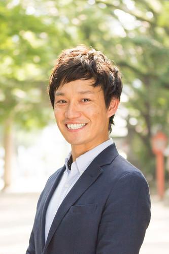 福岡の起業家のロケ撮影_ポートレート撮影テレビCMのスチール写真撮影 | 九州・福岡の写真撮影スタジオ