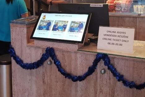 digitális reklám ügyfélszolálati pult iroda irodaház