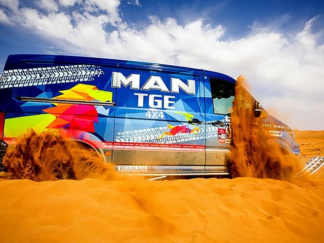 Total covering MAN TGE 4x4 Rallye des Gazelles