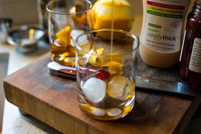 Add complexity to your cocktails and mocktails with SimplyThick® EasyMix™.