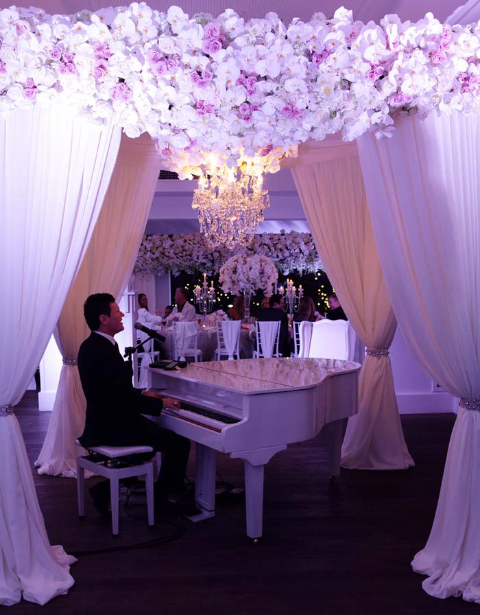 Live-Pianist.jpg