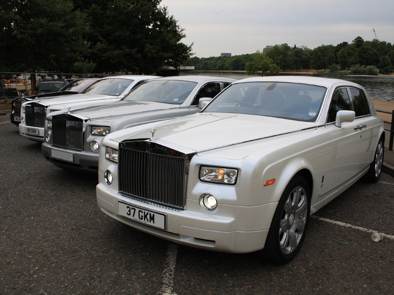 rent rolls Royce in Moscow for a wedding