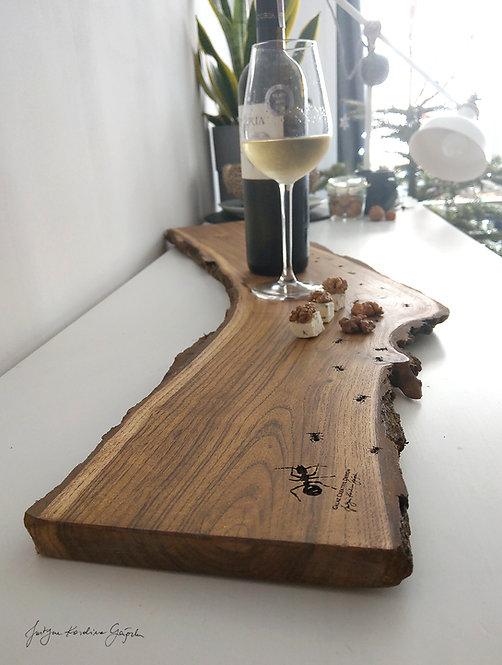 Akacjowa deska degustacyjna  z grawerem Mrówki