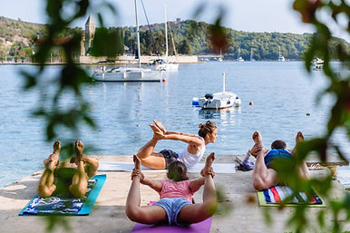 Yoga sailing