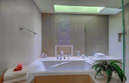 bathroom master 2.jpg