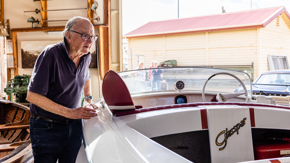 Edencraft Marine help restore Ian's Glasspar G3 and Kiekhaefer Mercury