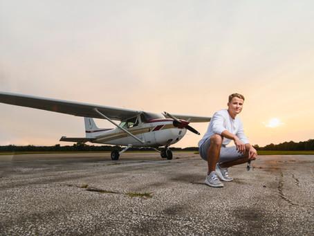 Airplane Senior Pictures | Michigan Photographer