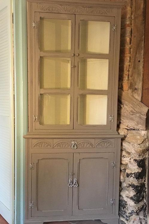 Old charm corner display
