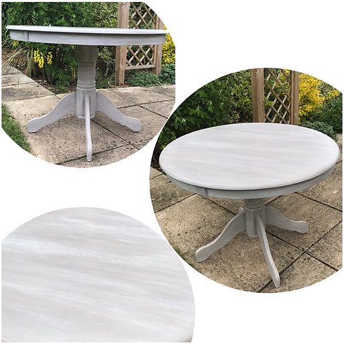 Round dining table French linen