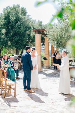 Natural-Alfresco-Wedding-in-Crete-HannaMonika-Photography-64