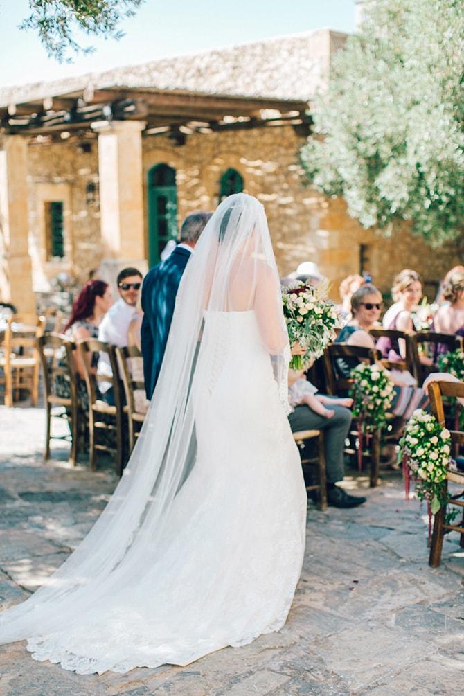 Natural-Alfresco-Wedding-in-Crete-HannaMonika-Photography-62