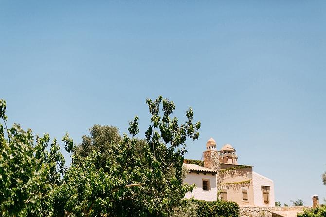Natural-Alfresco-Wedding-in-Crete-HannaMonika-Photography-13