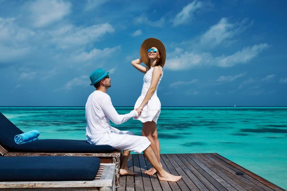 Honeymoon-couple-first-wedding
