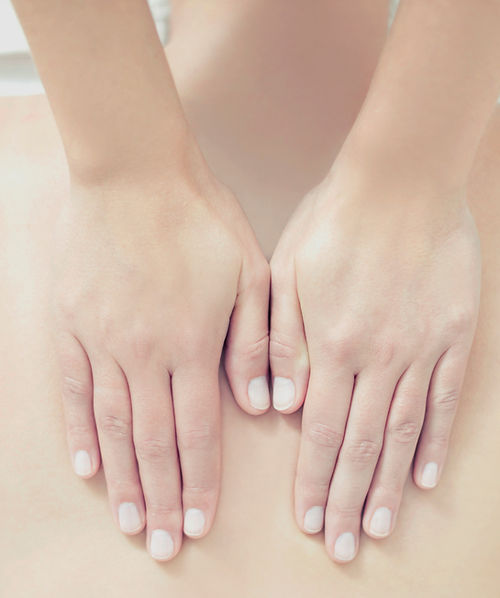 Chiropractic treatment hands on