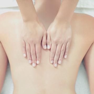 """TÓCATE Y QUE TE TOQUEN. 10 ideas para tratarte """"a cuerpo de reina"""""""