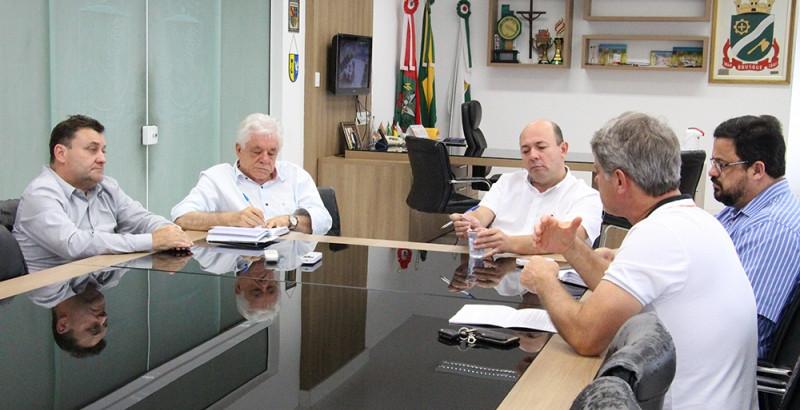 OSBr e AmpeBr solicitam apoio da prefeitura municipal para incentivo às micro e pequenas empresas