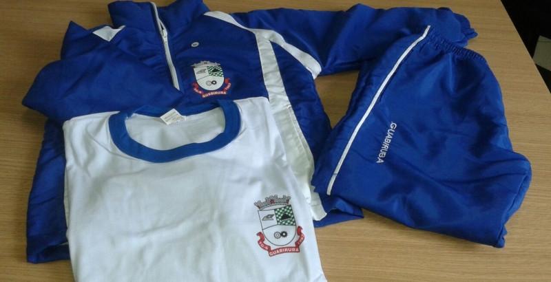 Guabiruba recebe uniformes escolares para 2017