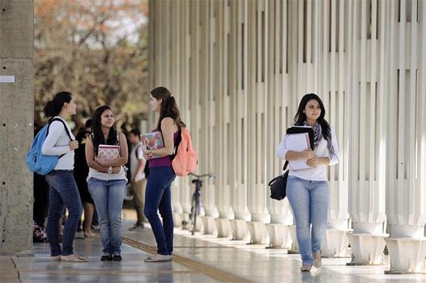 Mulheres estão mais avançadas na educação, segundo IBGE