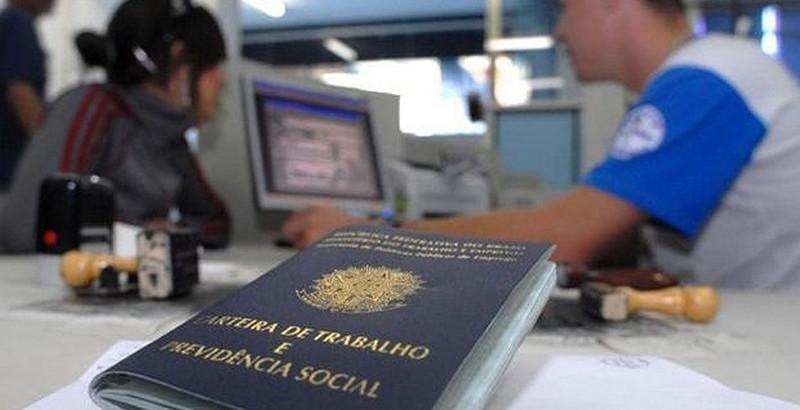Desemprego fica em 5,0% em março, segundo IBGE