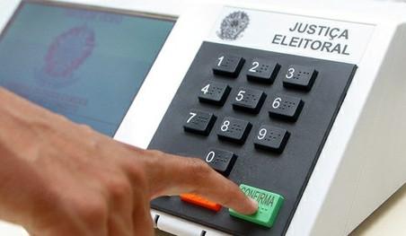 Eleitor deve ficar atento a possíveis abusos de candidatos na internet