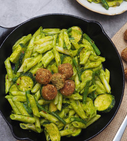 SUPER GREEN PASTA - Guest post by @sydneyveganguide