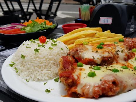 Alguém falou #parmegiana? Saiba mais sobre o prato de sexta-feira no #5Esquinas