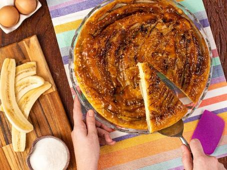 Receita fácil e saborosa: Torta de babana caramelada