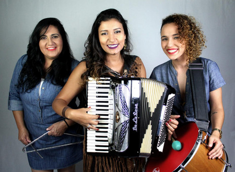 Time de cantoras homenageia mulheres em nosso Boteco 5 Esquinas