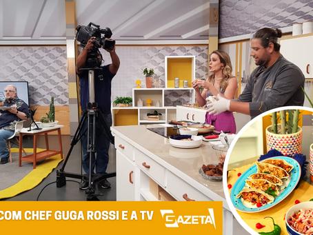 Com Leão Lobo e Regiane Tápias, Chef Guga Rossi ensina pupusa. Você conhece?
