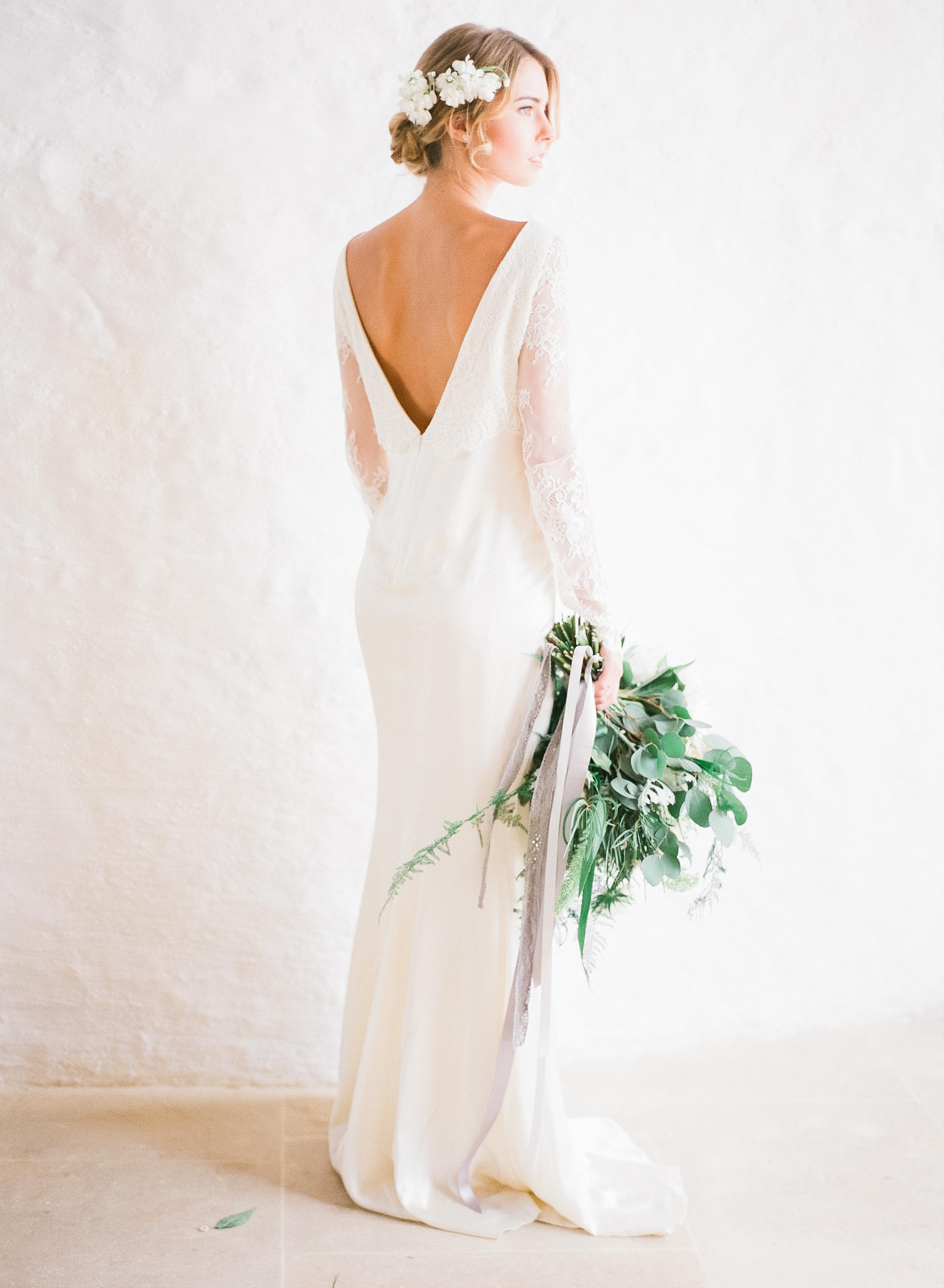 White Minimalist Wedding Inspiration