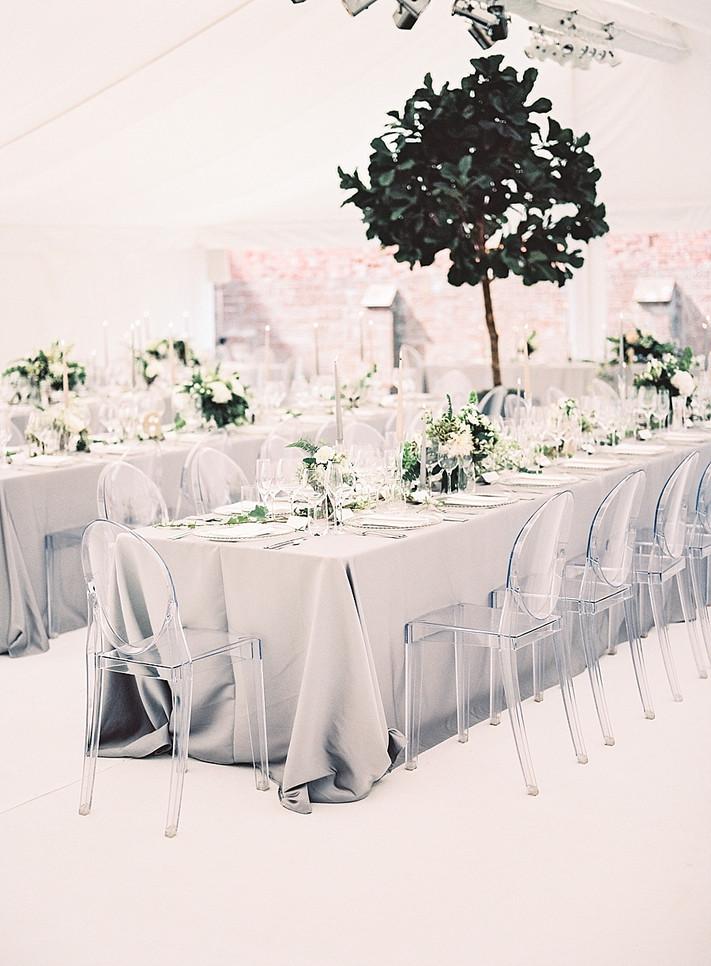 WHAT IS A MODERN LUXURY WEDDING?