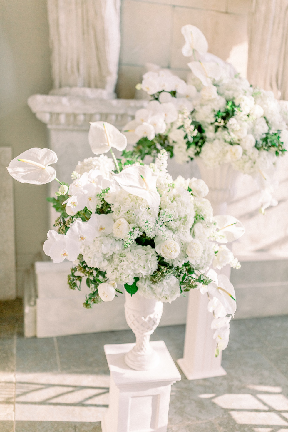A WHITE WINTER WEDDING - AYNHOE PARK WEDDING FLORIST