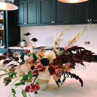 HOME FLOWERS, DECOR AND STYLING