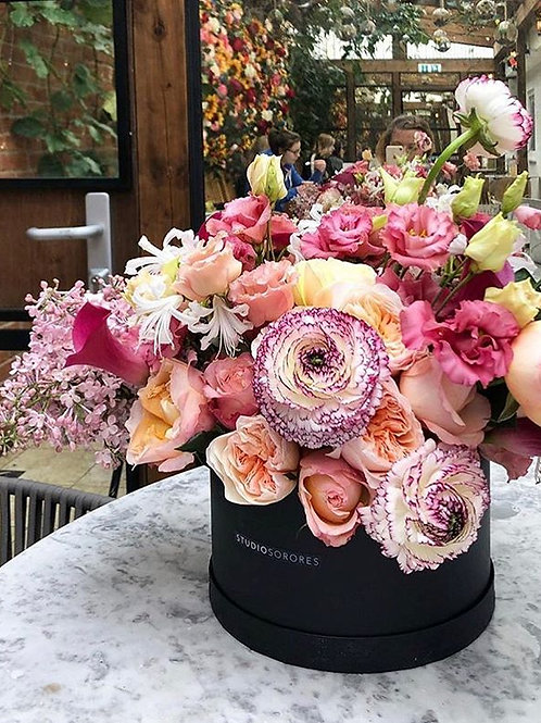 LUXURY GLASS VASE ARRANGEMENT
