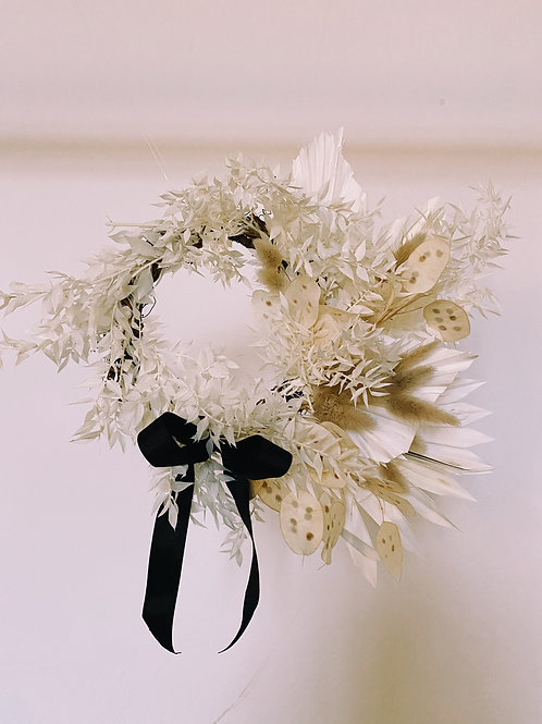 SIMPLY DOES IT BLACK + WHITE WREATH - 3 SIZES AVAILABLE