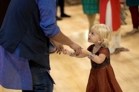 Diwali little girl dancing2 (1 of 1).jpg