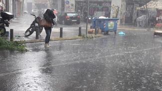 Έκτακτο δελτίο επιδείνωσης του καιρού: Έρχονται ισχυρές βροχές και καταιγίδες - Πού θα χιονίσει