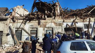 Ισχυρός σεισμός στην Κροατία - Αναφορές για σοβαρές καταστροφές και εγκλωβισμένους