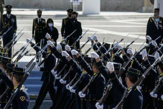 ΕΡΤ: «Σάρωσε» η στρατιωτική παρέλαση στα μηχανάκια τηλεθέασης