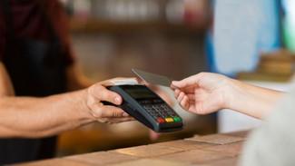 e- Αποδείξεις: «Παγώνει» η υποχρέωση για το 30% ηλεκτρονικών συναλλαγών - Πόσο έξτρα φόρο θα γλιτώσε