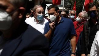 Τσίπρας: Κορυφαία μάχη υπεράσπισης του δικαιώματος των εργαζομένων και θα τη δώσουμε μέχρι το τέλος
