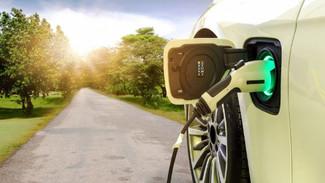 Αυξάνονται οι πωλήσεις των «πράσινων» αυτοκινήτων