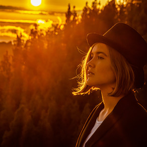 Luna Keller (Singer Songwriter) - Artist Discovery