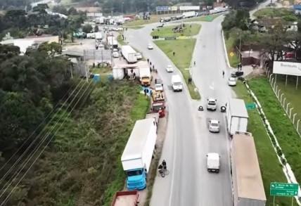 Trevo do Lençol na BR-280 totalmente liberado para carros e caminhões informa PRF/SC