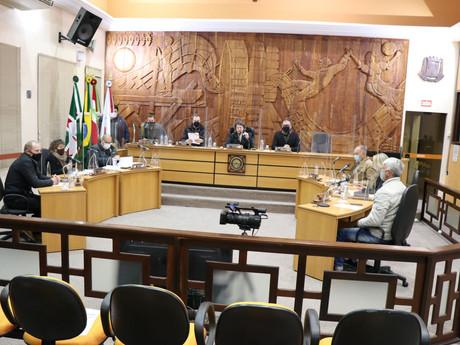 Vereadores arquivam processo de cassação do vereador e secretário de obras Jairson Sabino