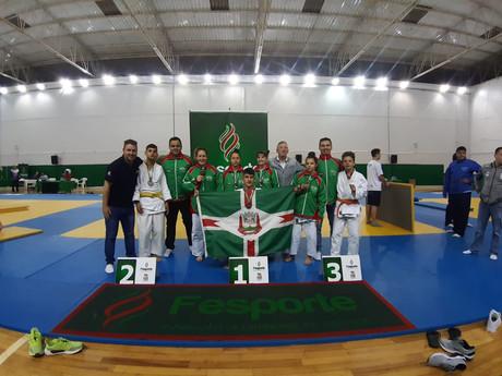 Judô conquista 8 medalhas nos Jogos Escolares
