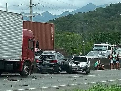 SC lidera número de colisões em BRs, mas registra menos acidentes graves